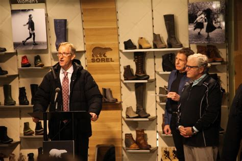 Columbia Mba Opinion by Columbia Sportswear Considers Closing Downtown Office
