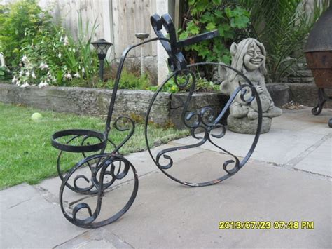 Iron Bicycle Planter by 17 Best Images About Bicicletas Decoradas On Gardens Bike Baskets And Plant Stands