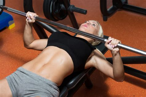 powerlifting style bench press top ten reasons for women to start weight lifting