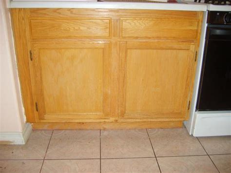How To Refresh Kitchen Cabinets How To Refresh The Finish Of Kitchen Cabinets Doityourself Community Forums