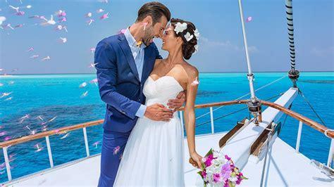 Weddings at Hurawalhi Maldives Resort ? Maldives Weddings