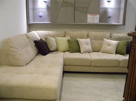 divano angolare pelle divano vivaldi divano angolare pelle scontato 48