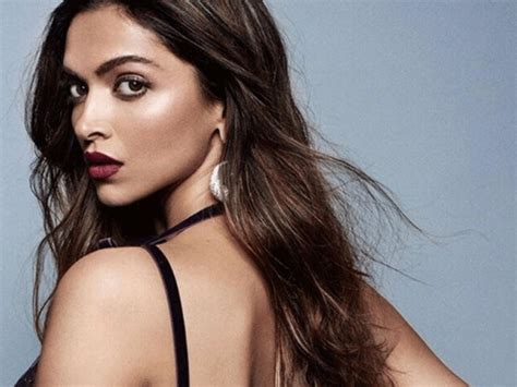 bollywood actress diet secrets weekend weight loss tips deepika padukone s diet and