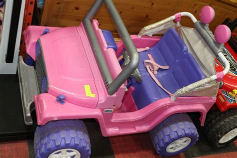 pink jeep power wheels fisher price pink power wheels jeep