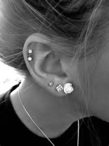 30 and different ear piercings fleur boucles d
