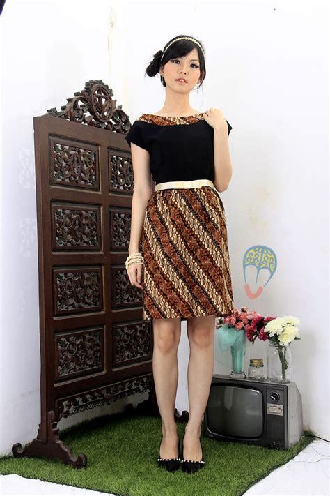Dress Batik Dan Rompi batik dress pinangan ayu dress dhievine redefine you dhievine shops