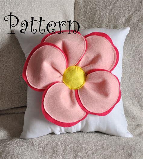Felt Flower Pillow Tutorial decorative pillow pattern felt flower throw by bedbuggspatterns