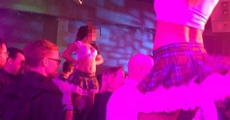 phil spencer apologizes for gdc party hosted by xbox game rant xbox apologizes for go go dancers at game developers
