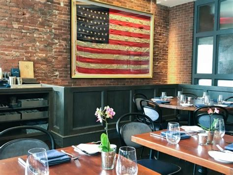 brand  summit house restaurant