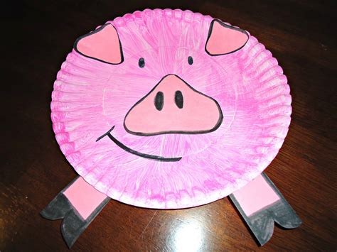 paper plate pig car interior design