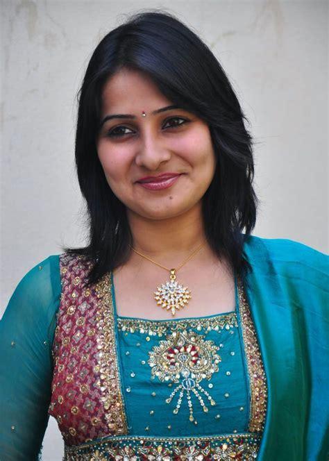 serial actress name photo actress photo biography tamil serial actress photos