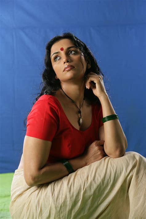 biography films in tamil swetha menon hot stills actress masala gallery