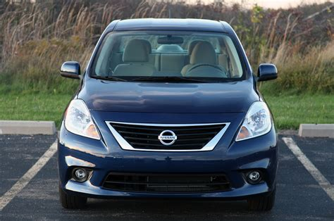 2012 nissan versa sedan review photo gallery autoblog