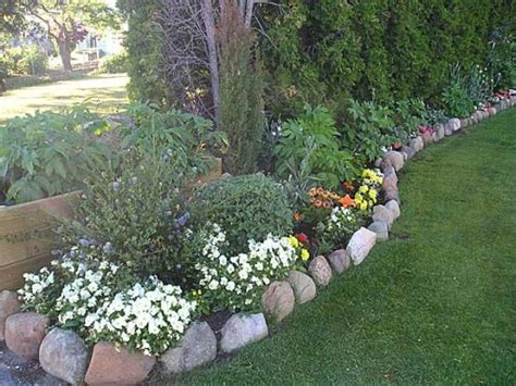 flower bed rocks 26 best colonial landscaping images on pinterest