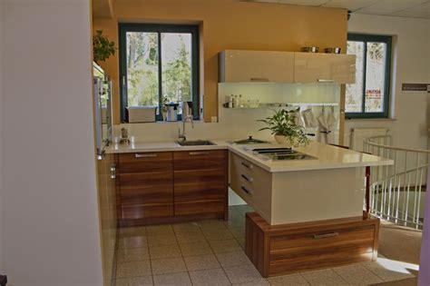 küchen u form u form k 252 chen g 252 nstig dockarm