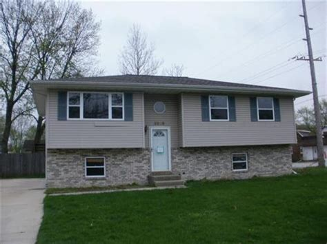 houses for sale portage in 5509 mulberry ave portage indiana 46368 reo home details foreclosure homes free