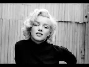 Marilyn monroe wallpaper for bedroom walls