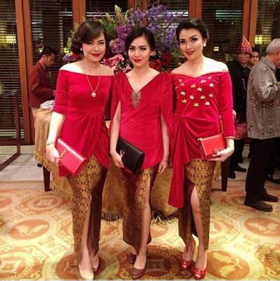 New Elnira Pendek Atasan Rok Lilit 17 best ideas about kebaya brokat on kebaya