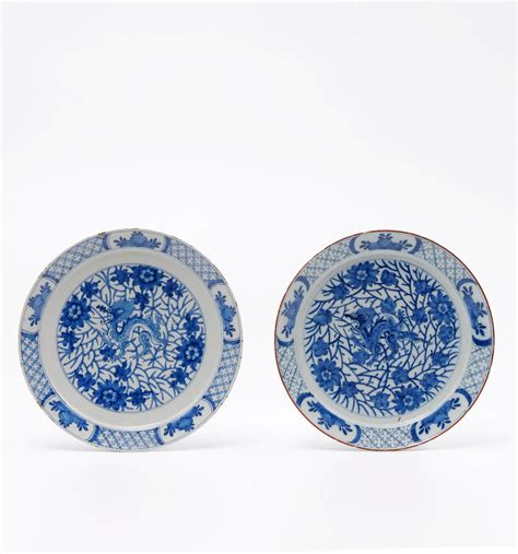 blue and white pattern plates d1215 two blue and white dragon pattern plates