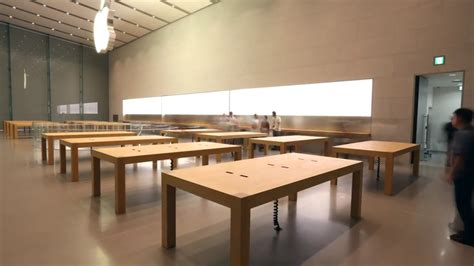 Apple Store Tables by Japan Apple Store Opening Preparations