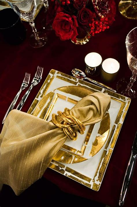 best place to get christmas table 105 best get the look black gold great gatsby reception at home tablescapes images