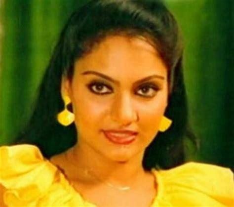 biography of film actress madhavi madhavi malayalam film actress stills photos 3