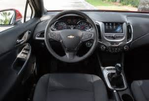 2017 chevrolet cruze lt hatchback test review