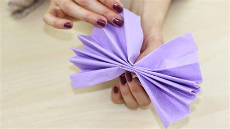 fiori con i tovaglioli di carta come realizzare fiori con tovaglioli di carta tutorial