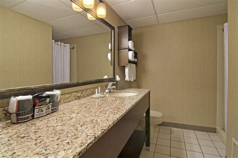 comfort inn west duluth comfort inn west in duluth hotel rates reviews on orbitz