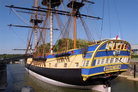 hermione bateau francais french replica warship l hermione docks in newport rhode