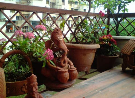 Garden Accessories For Sale In India 8 Apartment Balcony Garden Decorating Ideas You Must Look