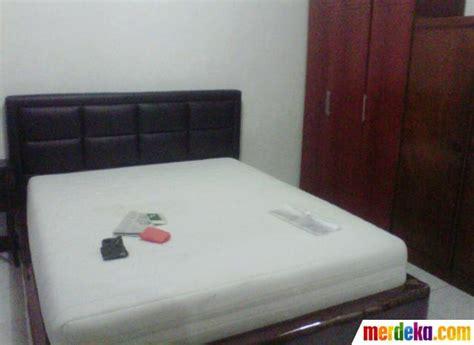 Tempat Tidur Bayi Yang Biasa foto menengok kamar kos sisca yofie merdeka
