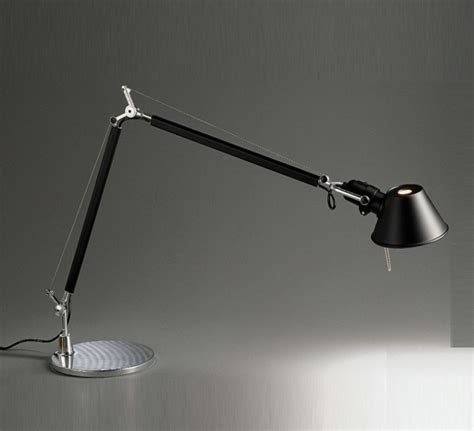 artemide tolomeo table l le 224 poser tolomeo table noir h129cm l122cm