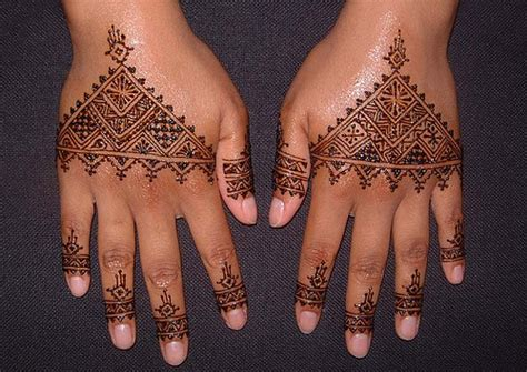 moroccan henna design a moroccan design for a woman from