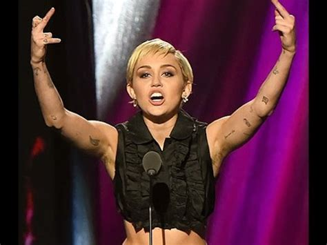 worlds longest armpit hair apexwallpapers com worlds longest armpit hair miley cyrus shows the world her