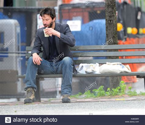 keanu reeves bench keanu reeves keanu reeves has lunch on a park bench in