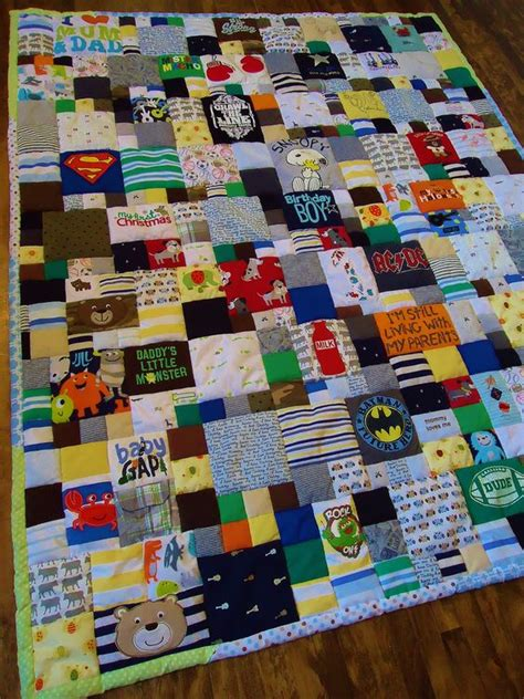 Turn Baby Clothes Into Quilt by Baby Clothes Quilt Babies Clothes And Clothes On