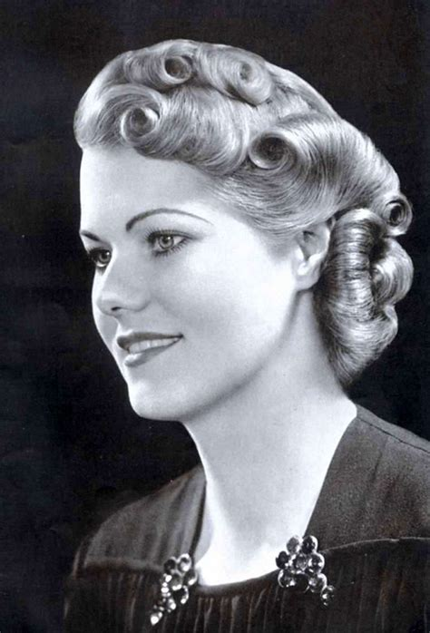 1930s Hairstyles For Hair by Sleek And Wavy Characteristics Defined The 1930s