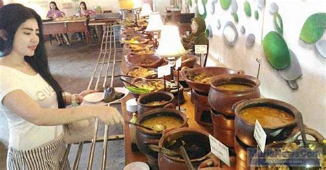 Di Omah Coffee Kudus asyiknya berburu kuliner jawa di omah kuno pati ndas