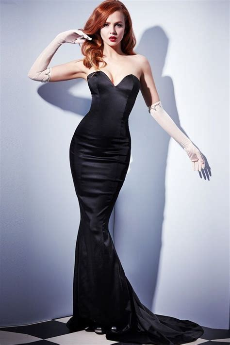 1000 images about in black on madeleine fall winter and black lace gown