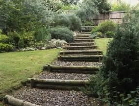 costruire dei gradini in giardino cerca con