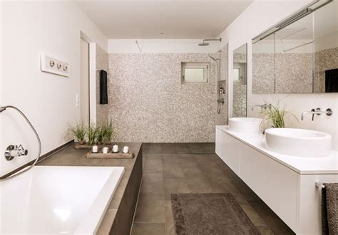 Kleines Bad Deckenhoch Fliesen by Bodengleiche Duschen Moderne Duscheinrichtungen Im Bad