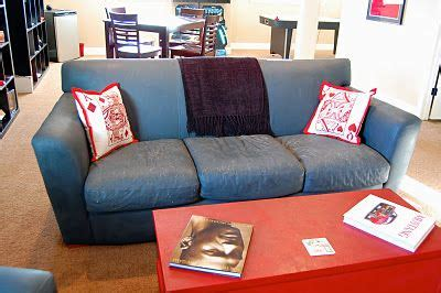 Repaint Leather Sofa 17 Best Images About Dixie Chalk Paint On Leather Sofas Paint Companies And