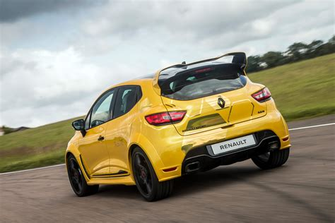 renault clio rs renault clio renaultsport r s 16 2016 review pictures