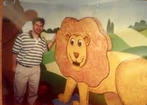 image jon mitchell with the lion and bear jpg
