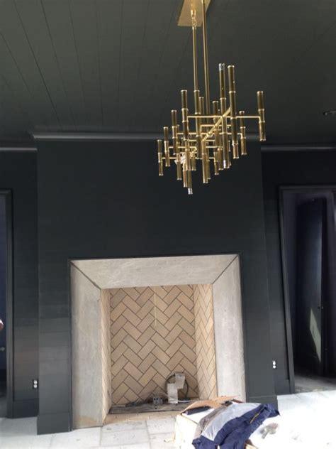 Herringbone Fireplace by Best 25 Herringbone Fireplace Ideas On White
