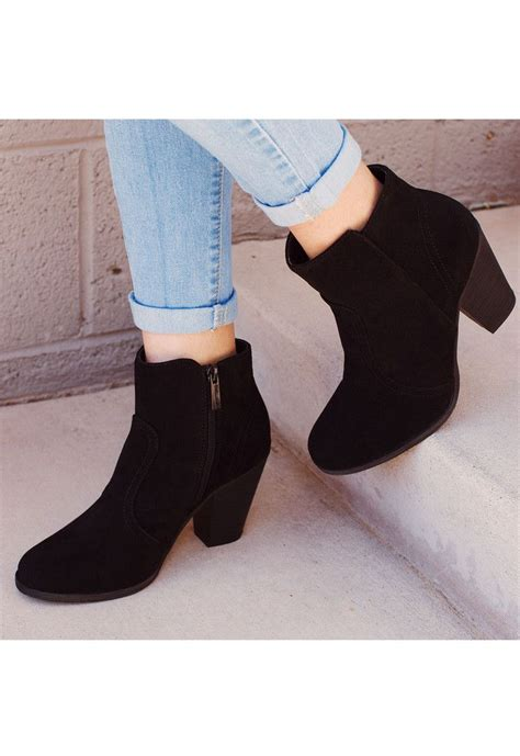 best ankle booties 25 best ideas about black booties on black