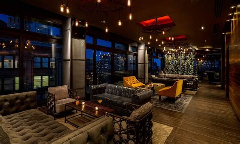 top bars in manhattan manhattan luxury hotel bars lounges and restaurants new