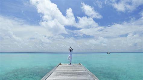 perfect desktop background  yoga pose   beach