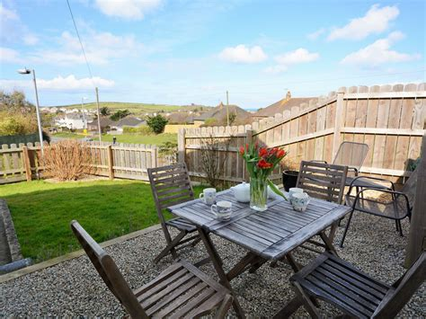 2 Bedroom Garden Cottage Pet Friendly 2 Bedroom Cottage In Bude Friendly Cottage In Bude